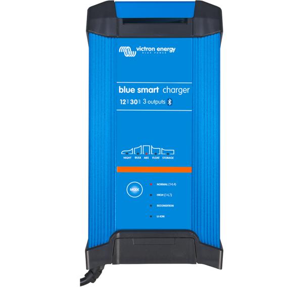 Blue Smart IP22 Charger 12/30(1) 230V CEE 7/7