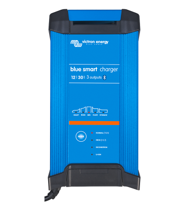 Blue Smart IP22 Charger 24/16(1) 230V CEE 7/7